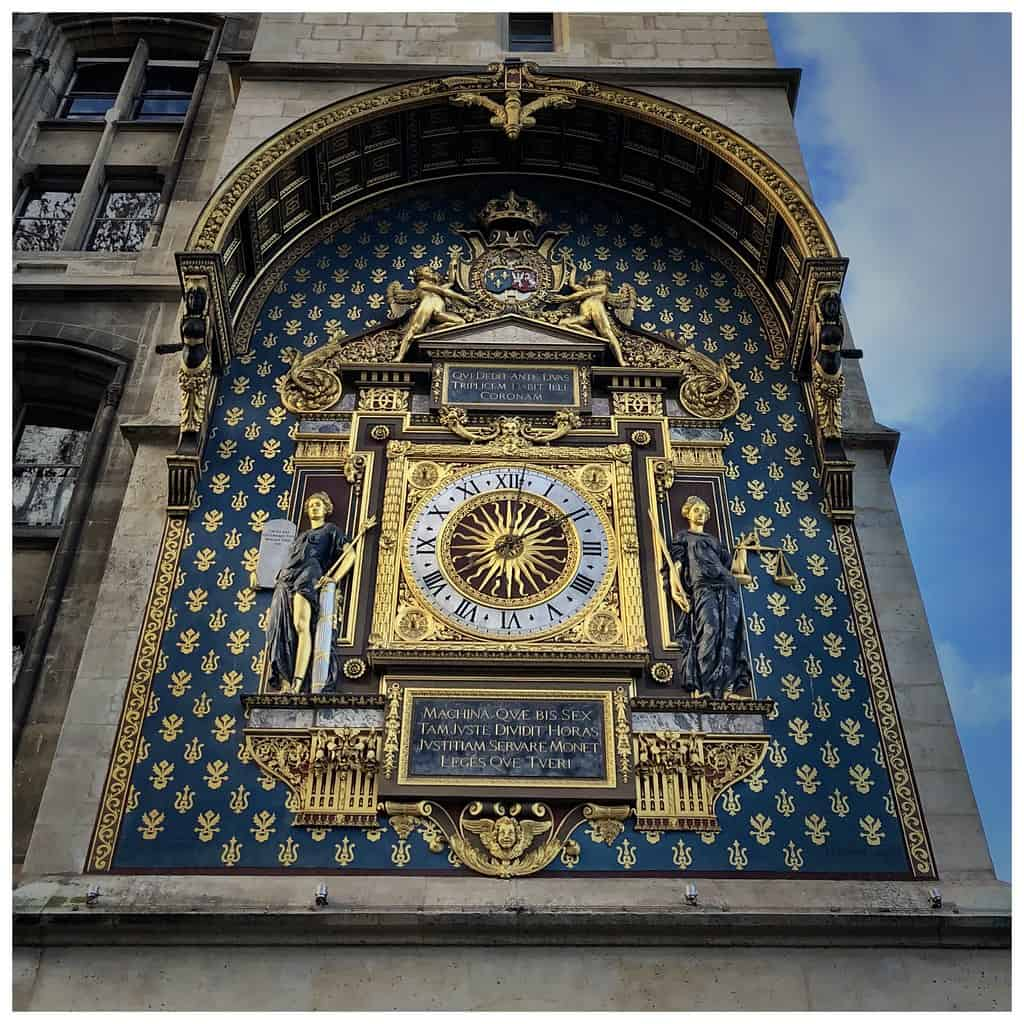 A photo of the oldest clock in Paris