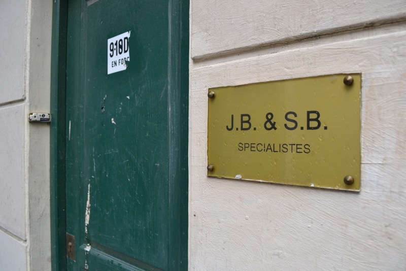 The green door at 1 Bis Rue Chapon