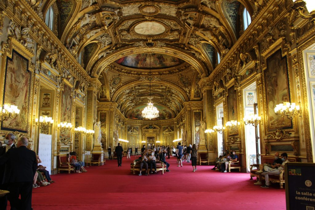 A photo of the Conference Hall in the Luxembourg Palace.