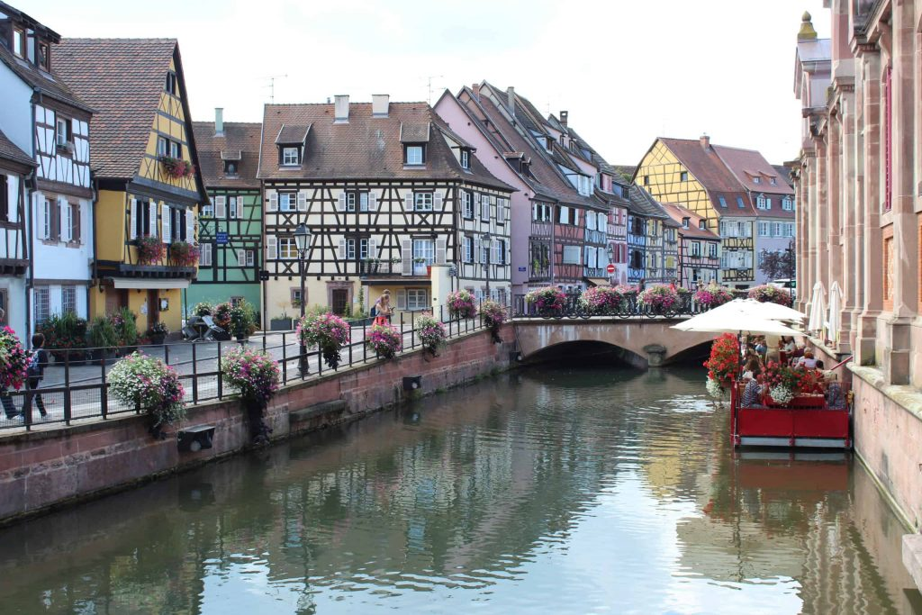 A photo of a canal in Colmar.