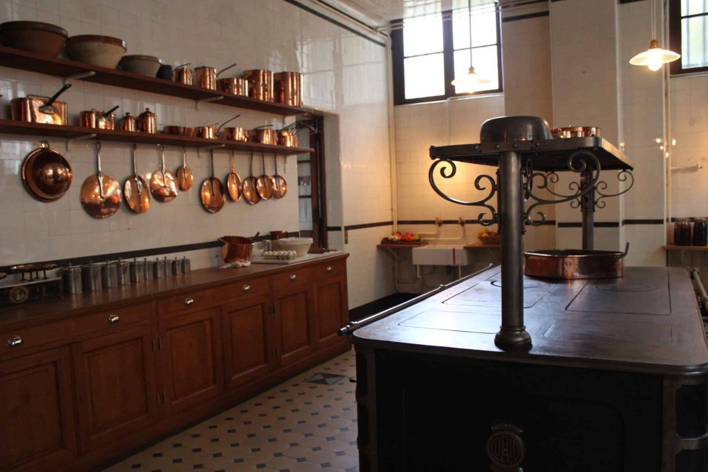 A photo of the kitchens of the Musée Nissim de Camondo.