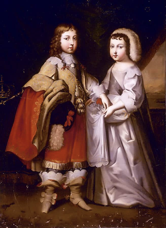 A photo of Louis and Philippe as children. Louis is dressed as a boy, while Philippe is dressed as a girl.